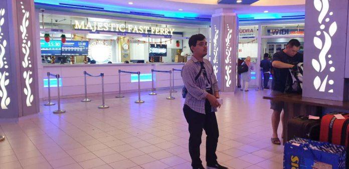 Suasana di Pelabuhan Ferry Internastional Batam Centre. (Foto suryakepri.com/Fernando)