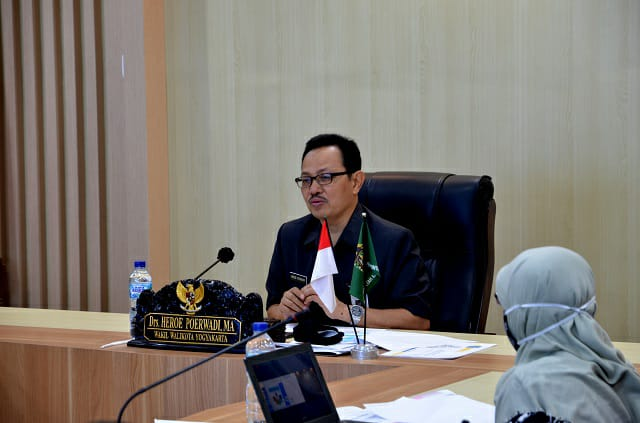 Wakil Walikota Yogyakarta Heroe Poerwadi yang hadir sekaligus menjadi pembicara dalam webinar Di Ruang Yudhistira, Kompleks Balai Kota Yogyakarta pada Kamis, (03/9/2020)