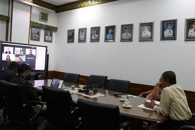 Walikota Yogyakarta Haryadi Suyuti menjadi narasumber utama dalam talkshow Pelatihan Pembelajaran Sukses bagi Mahasiswa Baru Fisipol Universitas Gadjah Mada, Jumat (11/9/2020).