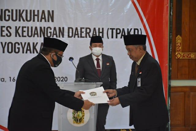 PengukuhanTim Percepatan Akses Kuangan Daerah (TPAKD) di Grha Pandawa Balaikota Yogyakarta, Rabu (16/09/2020).