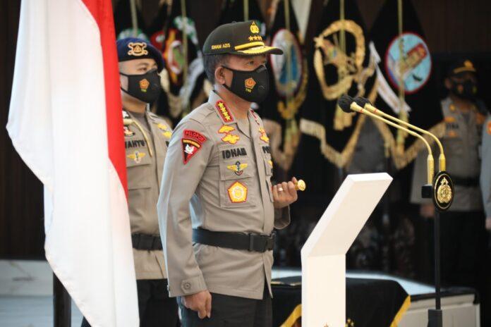 Kapolri Jenderal Idham Azis saat prosesi serah terima jabatan (sertijab) yang digelar secara tertutup di Rupatama Polri, Jakarta Selatan, Jumat (20/11/2020). (Foto: Mabes Polri).