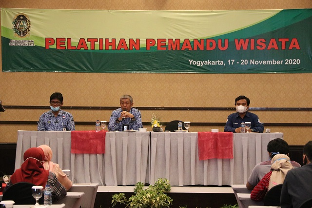 Walikota Yogyakarta Haryadi Suyuti saat menghadiri pelatihan pemandu wisata, Selasa (17/11/2020).