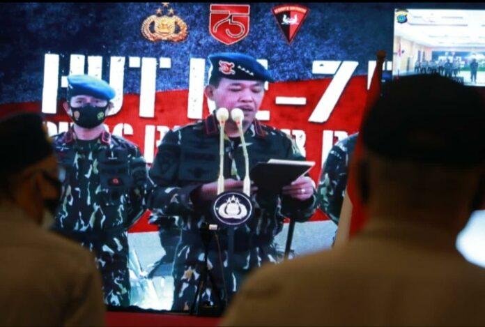 Kapolri memimpin langsung acara pembinaan tradisi ke-75 Korps Brimob Polri Tahun 2020 dan secara virtual dan diikuti oleh Semua Polda Indonesia.