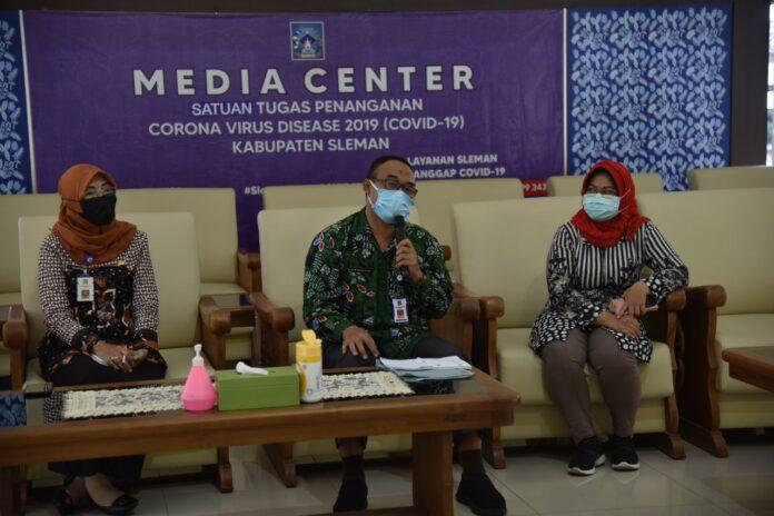 Kepala Dinas Pendidikan Kabupaten Sleman Drs Ery Widaryana MM dalam jumpa pers di Pemkab Sleman Kamis (08/04/2021).
