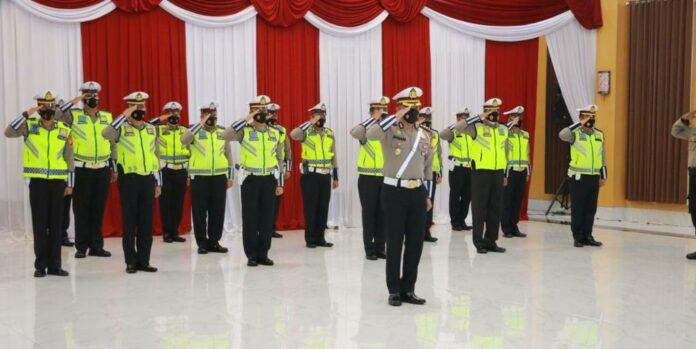 Apel gelar pasukan operasi keselamatan progo - 2021 bertempat di Polda DIY Senin 12/04/2021.