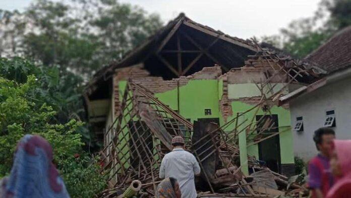 Kerusakan akibat gempa Malang (Foto: dok. Antara Foto)
