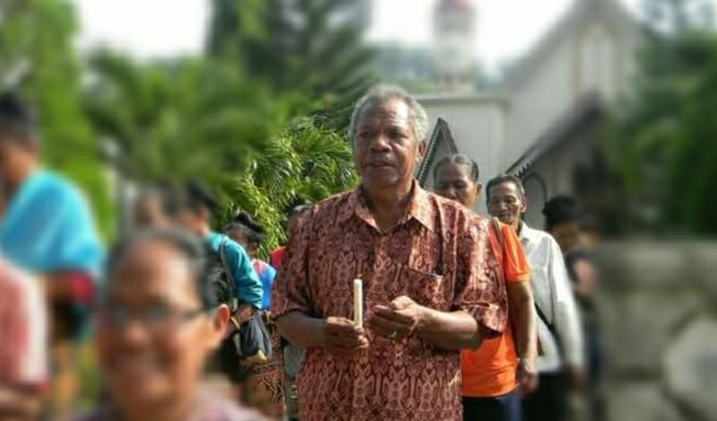 Leopoldus Maring salah satu Toko Budaya dan adat yang berada di Desa Kloangpopot angkat bicara soal perambahan hutan di dua desa Wolomotong dan kloangpopot.